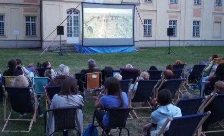 """ROK zaprasza na wakacyjne """"Kino pod chmurką"""""""