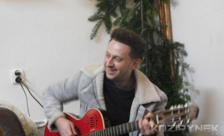 Nie czuję, że jestem w pracy- rozmowa z gitarzystą Budki Suflera, Piotrem Bogutynem