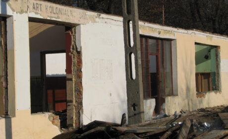 Zdarzyło się: rozbiórka hal na byłym dworcu PKS